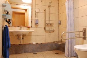 Baños adaptados en hoteles y casas rurales
